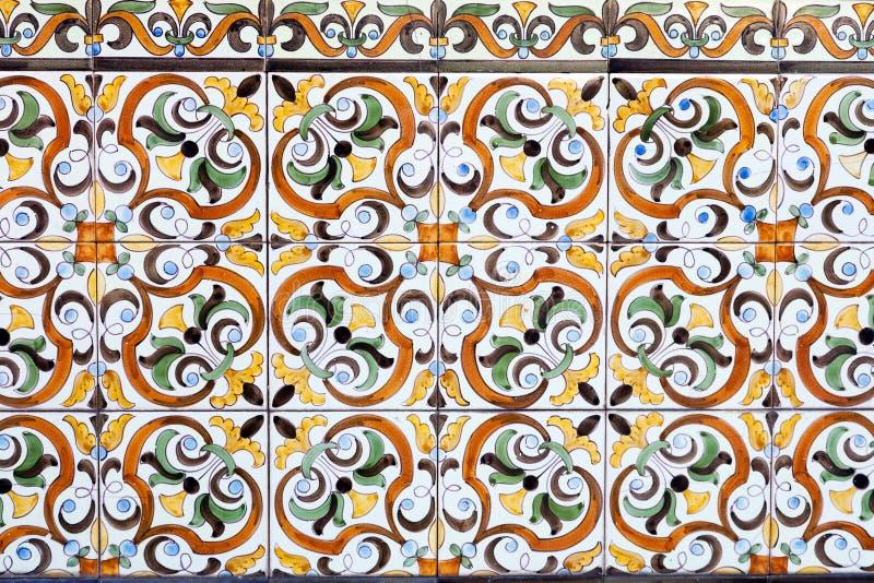 Baldosas cerámicas portuguesas tradicionales fotos de archivo libres de regalías