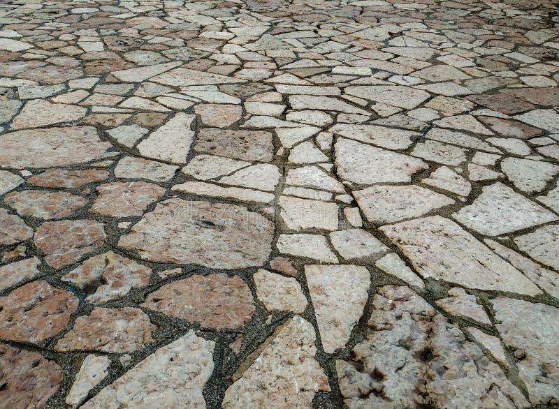 Baldosas lisas de mármol rococó estampado rústico antiguo textura de fondo mosaico colocado y dispuesto en el suelo o en la pared fotos de archivo
