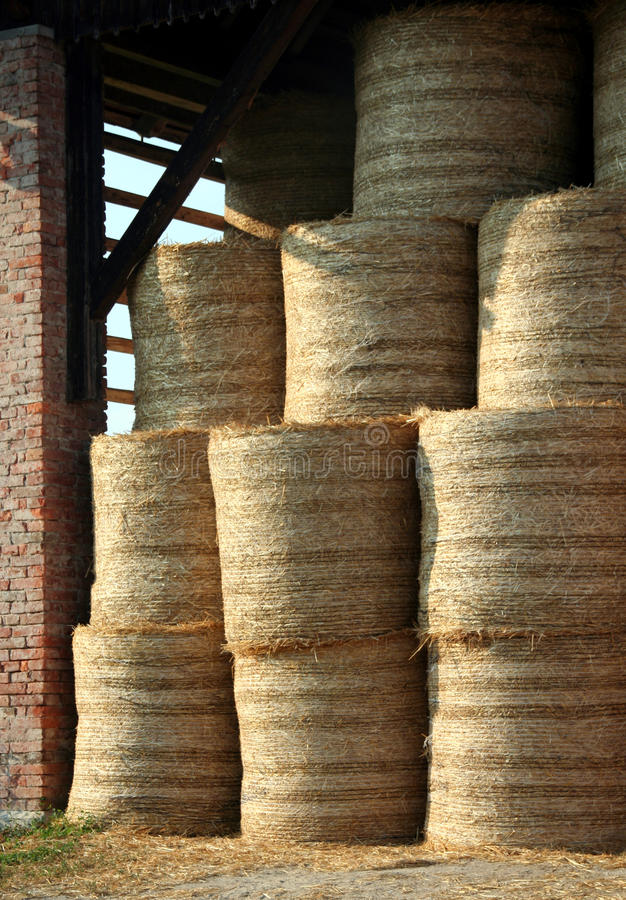 Download Bale Of Straw Stock Images - Image: 15177154