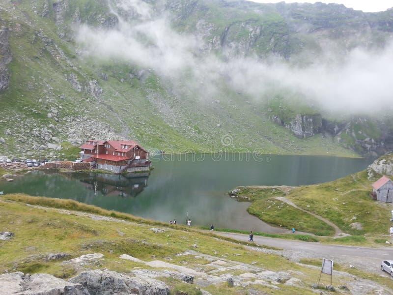 Balea湖和Balea客舱,罗马尼亚 免版税库存图片