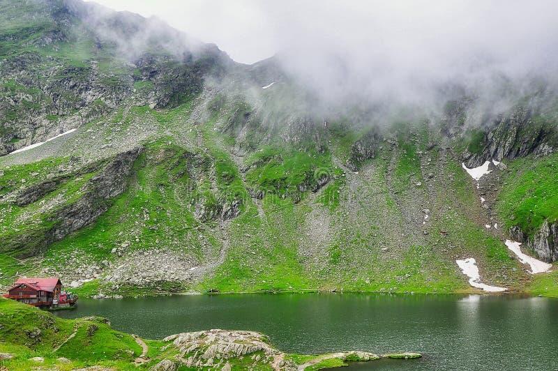 Balea sjö - Rumänien royaltyfri bild