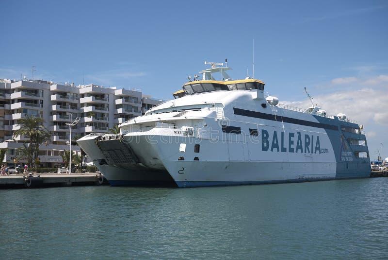 Balearia轮渡在伊维萨岛 免版税库存照片