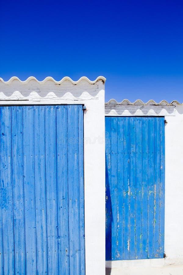 balearic blåa dörröar för arkitektur royaltyfria bilder