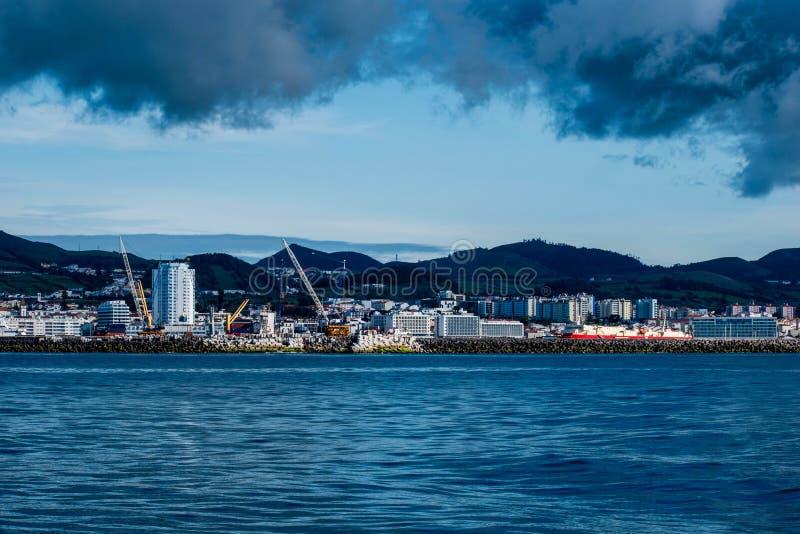 Baleine observant, Açores 2019, près de Ponta Delgada photos stock