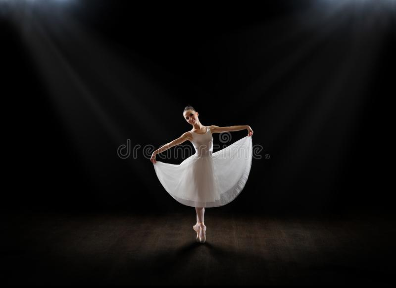 Balerina na sceny wersi zdjęcie stock