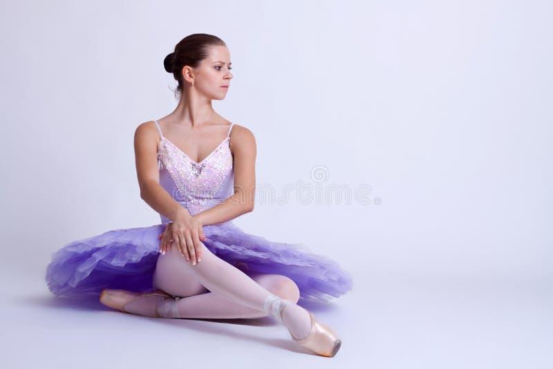 balerina sadzająca obraz stock