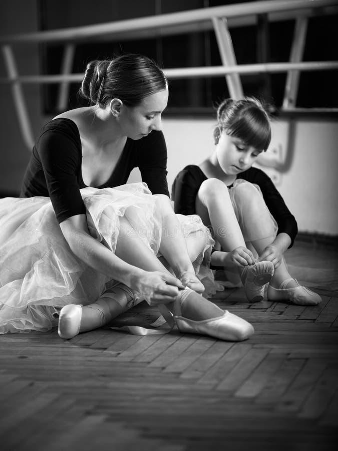 Balerina und Mädchen stockfotos
