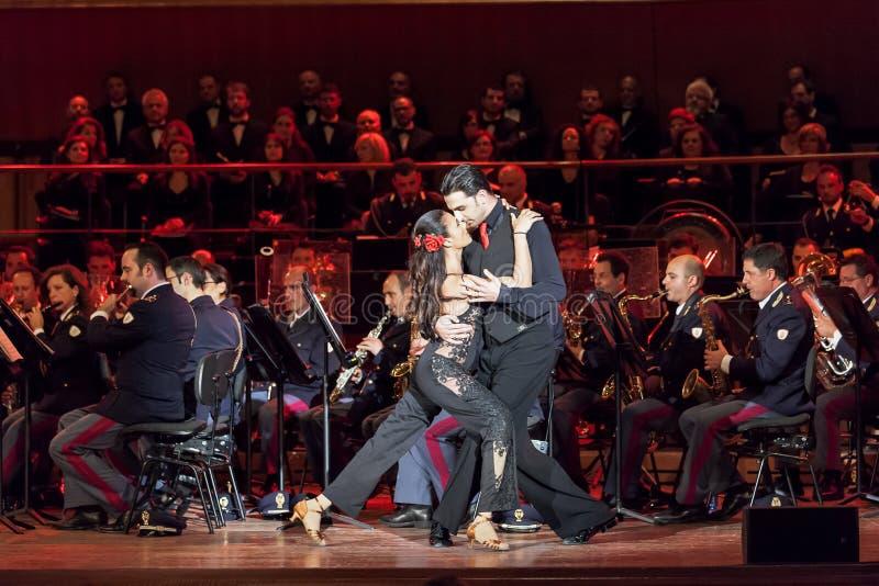 Baletniczy Giusy Versace i Raimondo Todaro fotografia royalty free