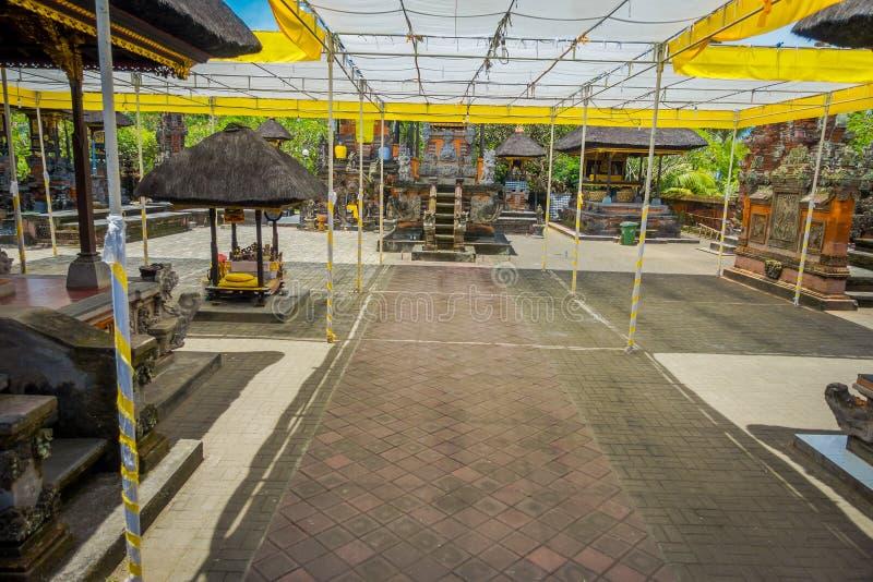 BALI, INDONÉSIA - 5 DE MARÇO DE 2017: Salão do templo de Pura Ulun Danu Bratan na ilha de Bali, Indonésia imagem de stock