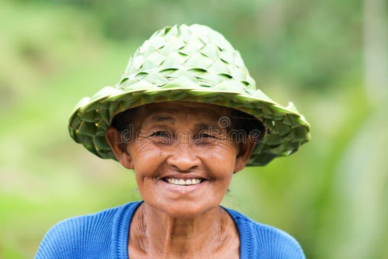 BALI, INDONÉSIA - 11 de setembro de 2013 retrato da mulher do balinese imagem de stock royalty free