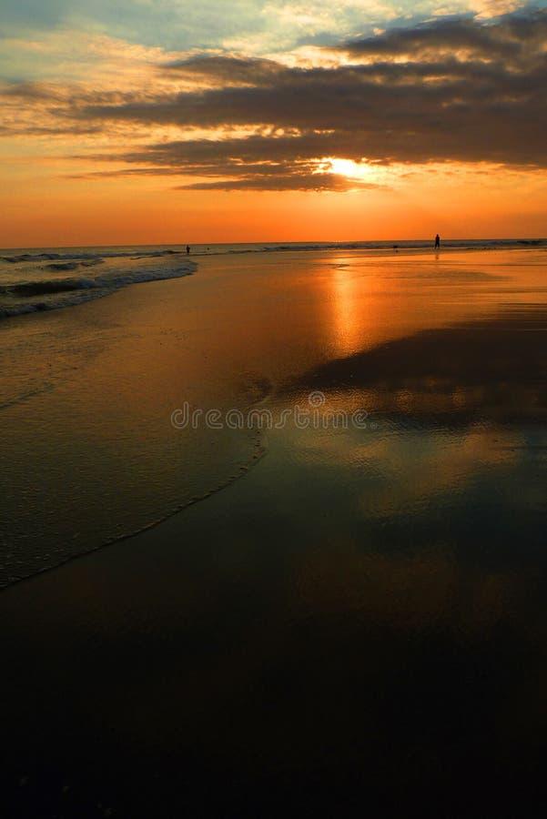 Bali, Indonésia, por do sol, oceano fotos de stock royalty free