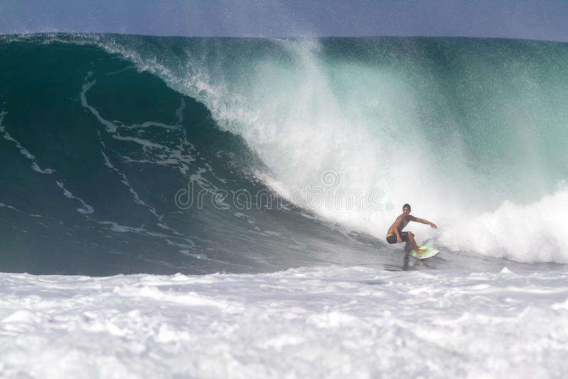 Bali, Indonésie - juin 2013 : Pro surfer brésilien Gabriel Medina photo stock