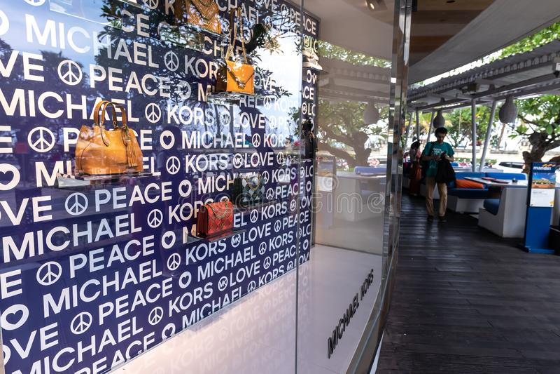 BALI, INDONESIA - FEBRAURY 19, 2019: Deposito di Michael Kors sull'isola di Bali fotografia stock