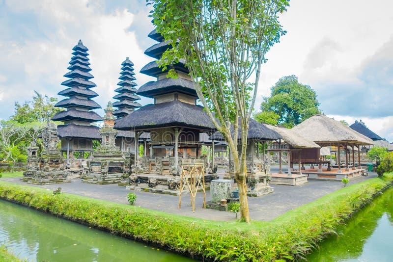 BALI, INDONESIA - 8 MARZO 2017: Tempio reale dell'impero di Mengwi situato in Mengwi, reggenza di Badung che è posti famosi immagini stock libere da diritti