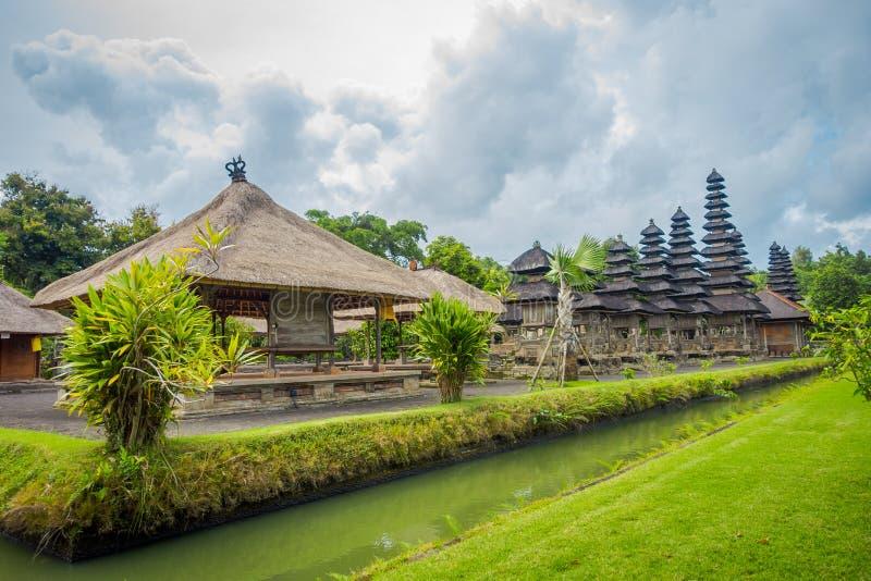 BALI INDONEZJA, MARZEC, - 08, 2017: Królewska świątynia lokalizować w Mengwi Mengwi imperium, Badung regencja która jest sławnymi zdjęcia royalty free