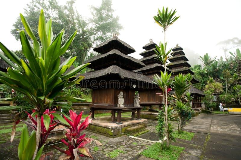 BALI - JANUARI 2:  Pura Luhur Batukaru tempel på JANUARI 2, 201 royaltyfri foto