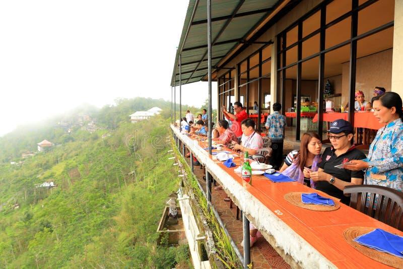 Bali: Lado do penhasco que dinning imagem de stock royalty free