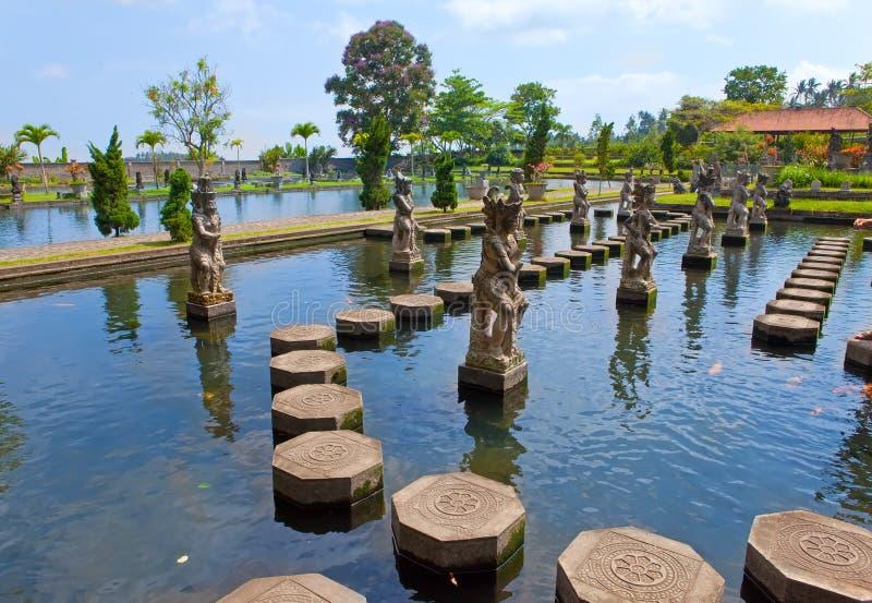 Bali, Taman Tirta Gangga.Landscape in giorno pieno di sole fotografia stock