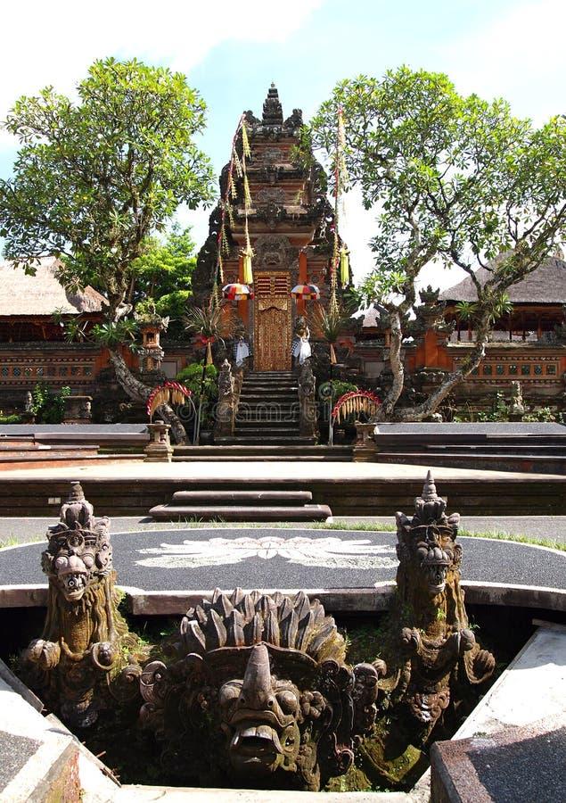 Bali, tempiale antico Saraswati del Ubud fotografia stock libera da diritti