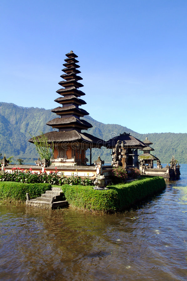 Download Bali Water Temple Vertical Stock Image - Image: 2879541