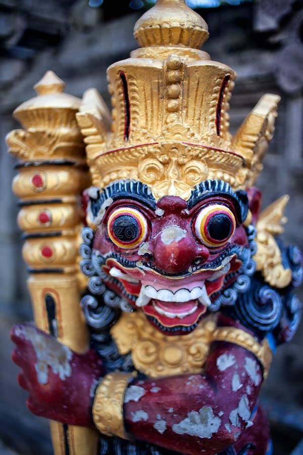 Balijczyk Hinduskie statuy wewnątrz na ulicznym Ubud pałac, Bali obraz stock