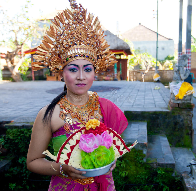Download Balinese Girl Posing For Turists Editorial Stock Photo - Image of fashion, entertainment: 24270103