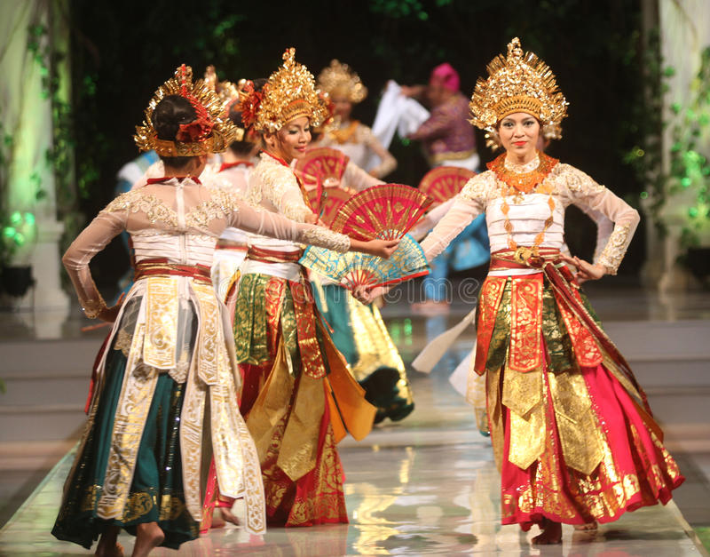 BALINESE TRADITIONAL DANCE. Dancers performs bali traditional dance Barong and Kris Dance at Solo, Indonesia stock photos
