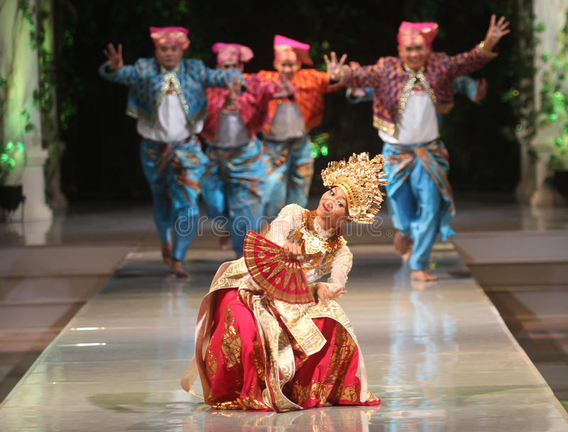 BALINESE TRADITIONAL DANCE. Dancers performs bali traditional dance Barong and Kris Dance at Solo, Indonesia stock photo
