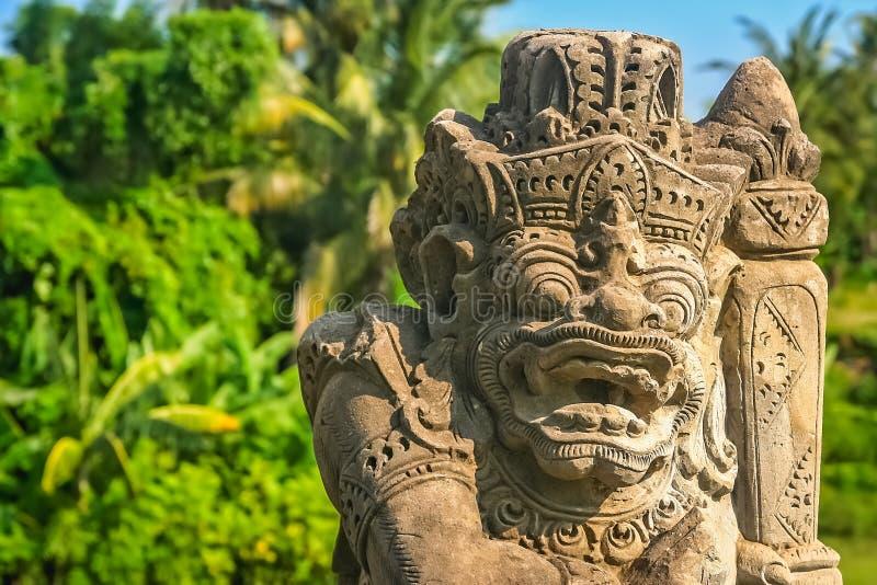 Balineseskulpturslut upp royaltyfria bilder