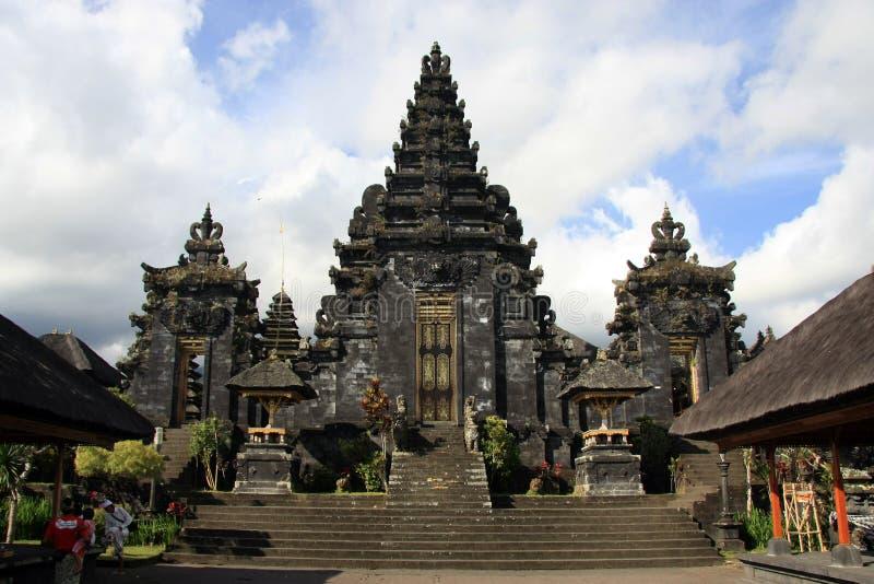 Download Balinesetempel Pura Besakih Fotografering för Bildbyråer - Bild av green, askfat: 78730049