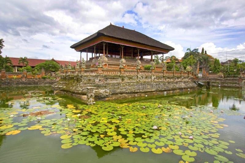 Balinesetemplet i Klung gjorde till kung, Semarapura, Bali, Indonesien arkivbild