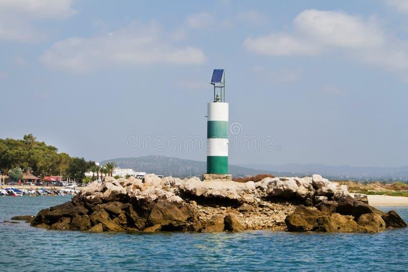 Balise sur le littoral image libre de droits