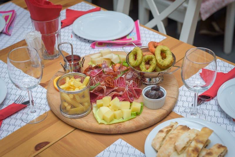 Balkan mat på tabellen arkivfoto