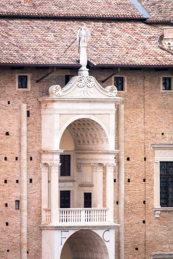 Balkon des Palastes in Urbino Italien lizenzfreie stockbilder