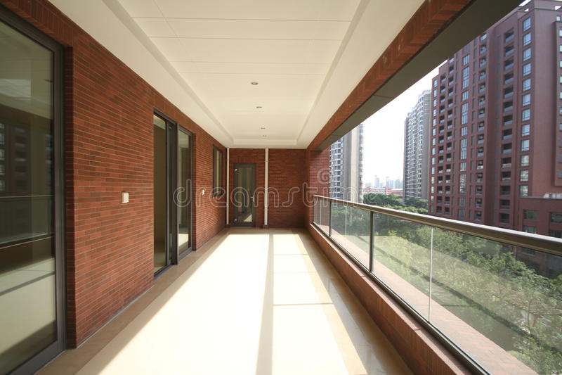 Balkon einer Wohnung lizenzfreie stockfotos