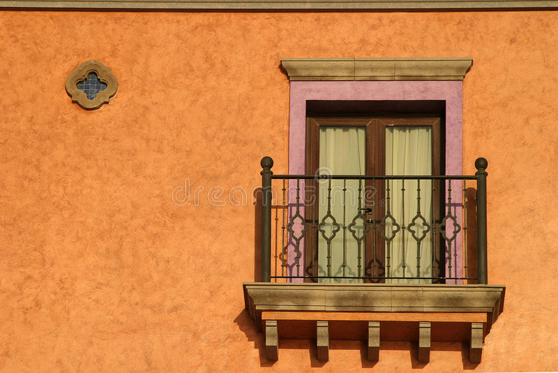 Balkon im Sun stockfotos