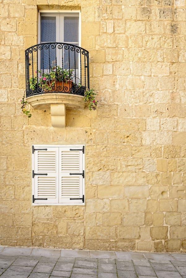 Balkon na starej ścianie w Mdina, Malta fotografia royalty free