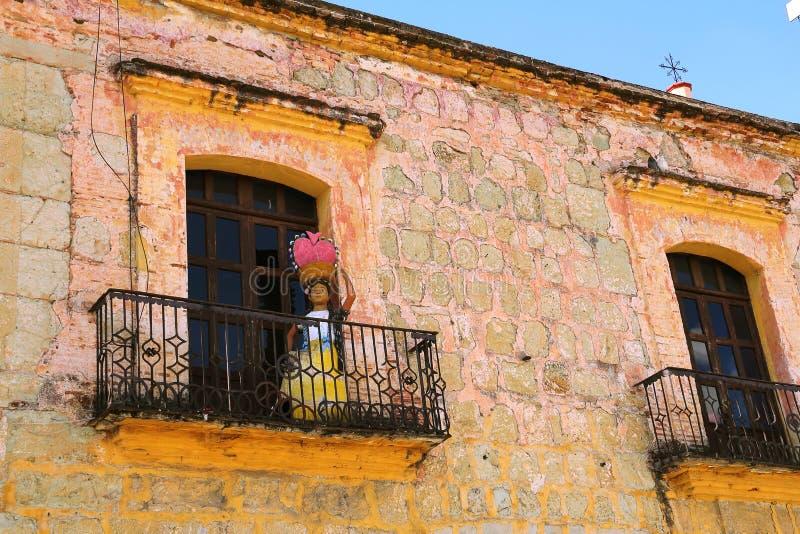 Balkon in Oaxaca stock foto's