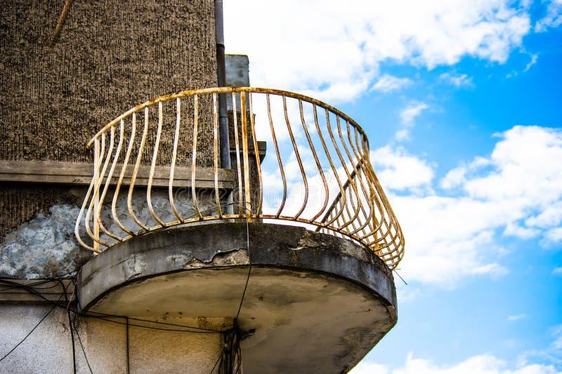 Balkon, wznosi się w niebie obrazy stock