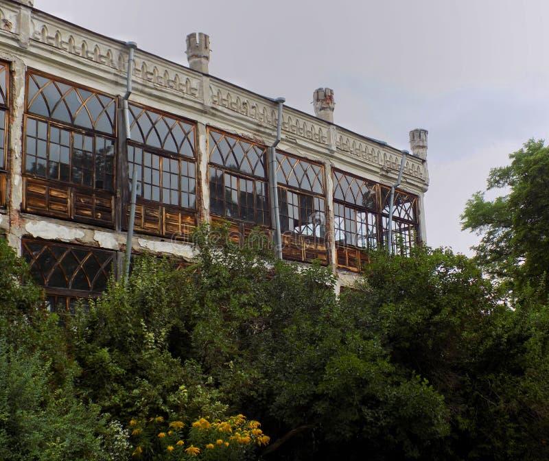 Balkong i slotten royaltyfri fotografi