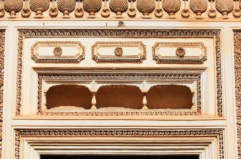 Balkong på Paigah gravvalv arkivfoto