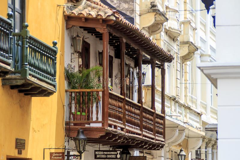 Balkongsikt i Cartagena, Colombia fotografering för bildbyråer
