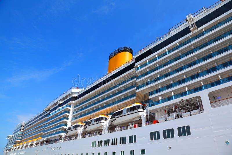 balkonowego rejsu wielki statek fotografia royalty free