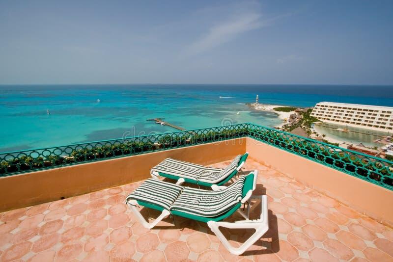 balkonowy krzesło lounge kurort zdjęcie stock