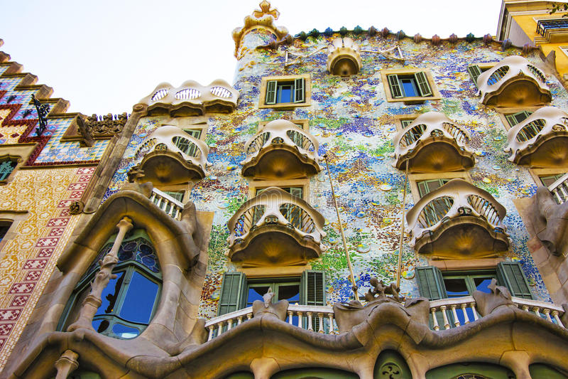 Balkons van de bouw van Casa Batllo in Barcelona in Spanje royalty-vrije stock foto's