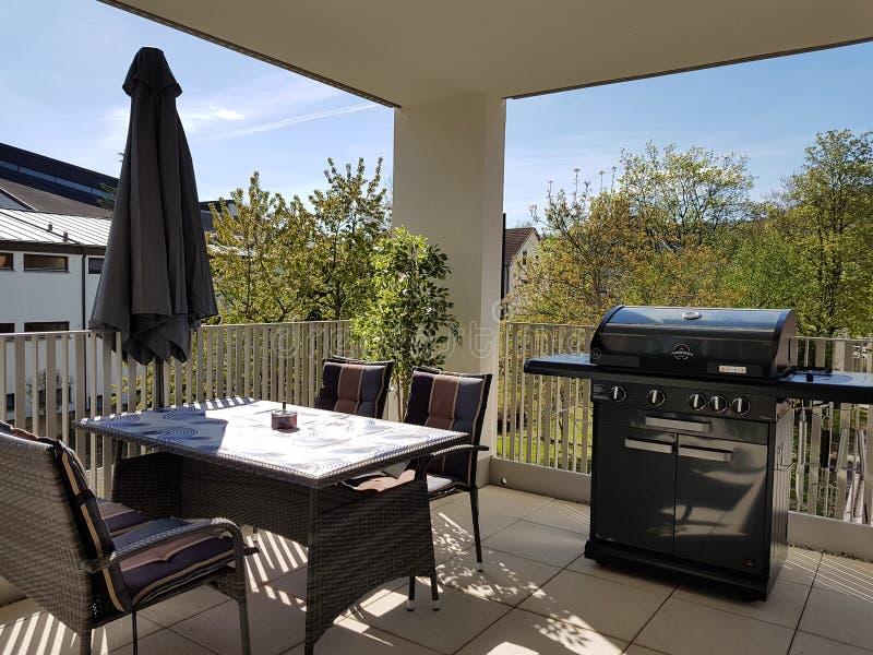 Balkonu ogródu gazu grill zdjęcie royalty free