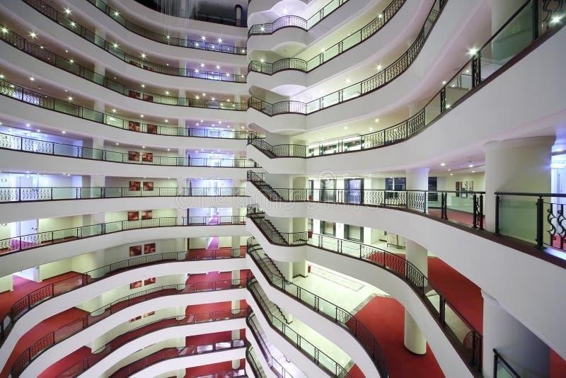 Balkony wśrodku Goldcity hotelu zdjęcie stock