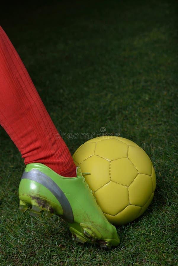 Download Ball player soccer стоковое фото. изображение насчитывающей backhoe - 40587398