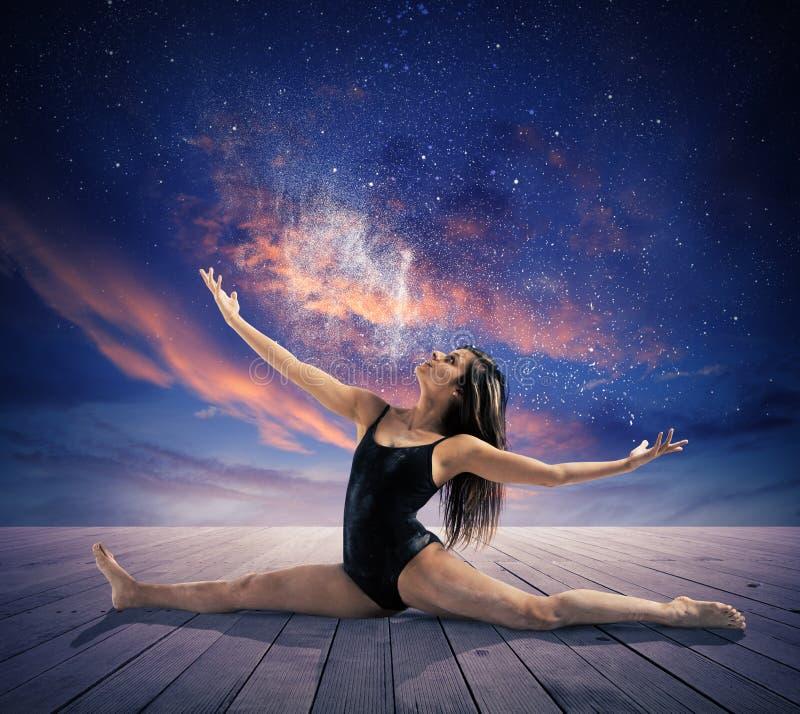 Ballando sotto le stelle immagine stock