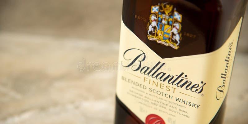Ballantines whisky produkuj?cy Pernod Ricard w Dumbarton, Szkocja fotografia royalty free